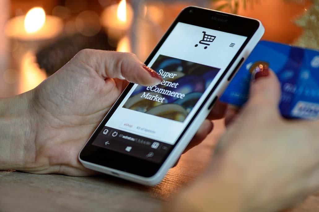 Peut-on payer par chèque cadeau en ligne? On vous dit tout